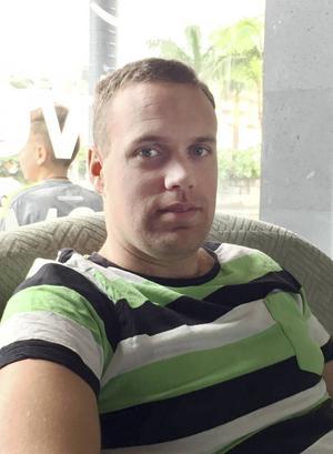 Petter Strand firar sin 30-årsdag hemma i Skale, Söderala.