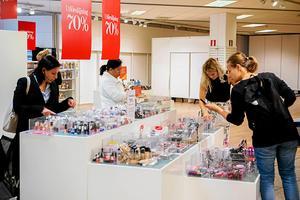 Utförsäljning på Åhléns innan varuhuset stängdes för gott den 2 september i år.