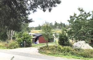 Utsikten från de föreslagna villatomterna mellan Storuddsvägen och Vikstigen i Harkskär.