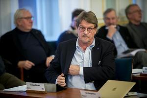 Anders Gäfvert (M) vid omröstningen till oppositionsråd i kommunfullmäktige ifjol.