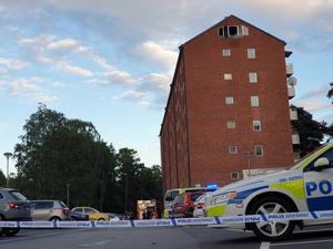 Brand i vindsvåning på Höglandsvägen i Södertälje.