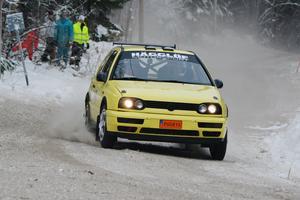 Stefan Hägglöf är en av deltagarna i Skutskärsratten. Här är Gävleföraren i full fart i 2016 års tävling – senast det begav sig. FOTO: KURT ELIASSON