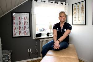 Just nu masserar Ann-Charlotte Öhrn sin salong hemma i gästrummet, men hon ska bygga en riktig salong i källaren.