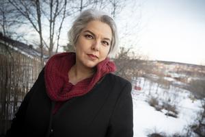 Tidigare var Anna Lena Kauppi delägare i en egen hytta. Nu hyr hon in sig på hyttor i Stockholm när hon ska skapa.