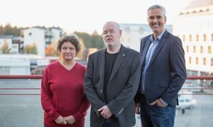 """Marie Martna, Bob Wållberg och Johan Hägglöf ska styra Nykvarn tillsammans de kommande fyra åren. """"Vi vill vara med och påverka i grön riktning och det är roligt att få chansen"""", säger Marie Martna om Miljöpartiets intåg."""