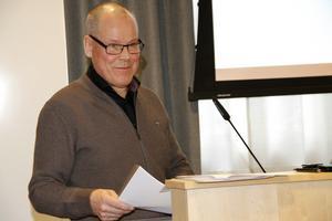 Ekonomichef Tom Westerberg ville påminna om att kommunen måste reglera de senaste årens underskott i boksluten.