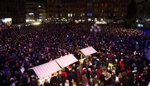 Sällan är det så mycket folk i Stenstan som på den populära lyslördagen.