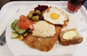 Panerade rödspättan och pyttipannan för Lunchkollen att återvända till Le Chef redan nästa dag.