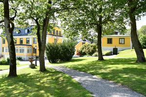 I köpet av herrgården ingår tretton stycken byggklara tomter. Foto: Rickard Björklund