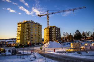 Projektet Solsidan, två flerbostadshus med totalt 84 lägenheter på tidigare parkeringen vid gamla Folkets Park. Planen är att de första boende ska flytta in i oktober i år.