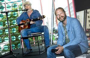 Stefan Sundström och Martin Emtenäs har redan turnerat med föreställningen