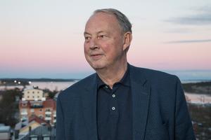 Också Nynäshamns nuvarande kommunalråd Harry Bouveng (M) tillhör dem som hade de högsta inkomsterna i kommunen i fjol.
