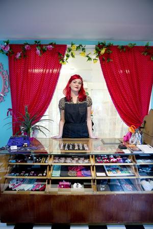 """Therése Haverklint har äntligen fått allt på plats och känner sig som en lycklig böna. """"Det är konstigt att en sådan här affär inte redan finns i Västerås, bara med tanke på hur stort nätverk jag själv har som gillar den här stilen, säger hon."""