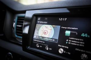 I bilen finns gott om tekniska finesser och komforten är hög.
