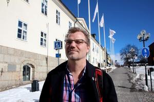 Kommunalråd eller oppositionsråd. Valresultatet avgör. Jonas Lennerthson toppar S-listan i Falun.
