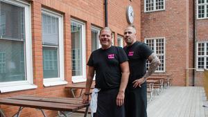 – Det är trendigt med riktig tillagad mat, säger kockarna Fredrik Alexandersson och Joachim Winblad på Mitt Gastronomi.