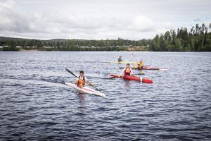 Kanottävling  på Indalsälven i Bergeforsen.