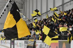 Det var hög och skön stämning i ett derby med drag i Helsingehus Arena.
