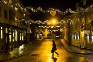 Växande klyftor, ensamhet och ekonomisk utsatthet. Många känner ångest inför julen. Foto: TT