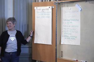 RosMarie Lundqvist, ordförande för Företagarna i Nora var mycket nöjd med uppslutningen till företagarträffen där minst ett 60-tal deltagare hade kommit. Förutom företagare även politiker och någon tjänsteman.