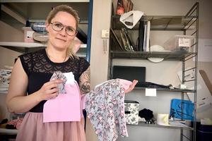 """""""Viktigast för mig är att tyget känns mjukt och skönt och att det är oeko-texcertifierade,"""" säger Camilla Ring. Leggings och toppar säljer bra på hemsidan."""