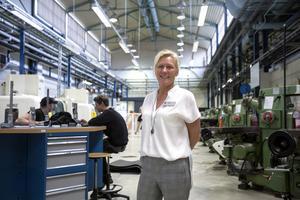Susann Jungåker, rektor och vd för Mälardalens tekniska gymnasium, är stolt över att det är så många elever som söker till skolan.