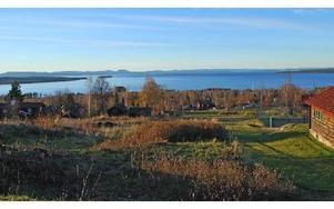 Det är utsikten över Siljan som här från Tällberg, som ingen vill förstöra. (OBS: Kameran i undersökningen hade dock en något annorlunda vinkel) Foto: Annki Hällberg/Arkiv/DT
