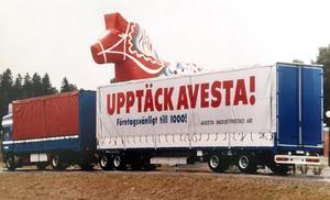 En tid var Ove Thomson och hans långtradare en rullande reklampelare för Avesta.