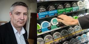 Avesta kommun tar ut högst ansökningsavgift för att sälja snus i länet. Kommunalråd Lars Isacsson (S) har varit förtegen om varför.