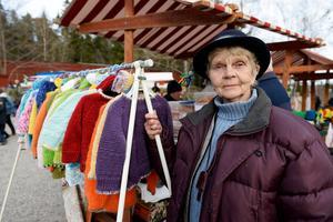 Ingrid Hamrin sålde rullrån och stickade kläder.