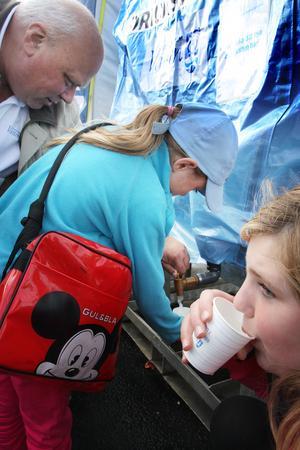 Här kunde man också testa att dricka Stockholmsvattnet, som snart skulle komma till Nynäshamn.