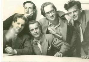 Den 18-årige Lars Gustafsson tillsammans med sina vänner 1954. Foto: Privat