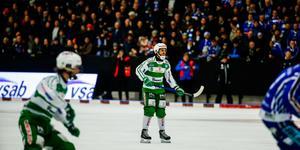 Tobias Holmberg och hans VSK hade ingen rolig kväll i Lidköping.