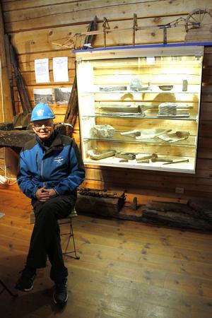 Han vet det mesta om  gruvan, Bosse Nilsson, hur den förvandlade Los från ett antal utspridda gårdar till ett samhälle dit människor flyttade för att arbeta med brytningen av kobolt, nickel och vismuth.