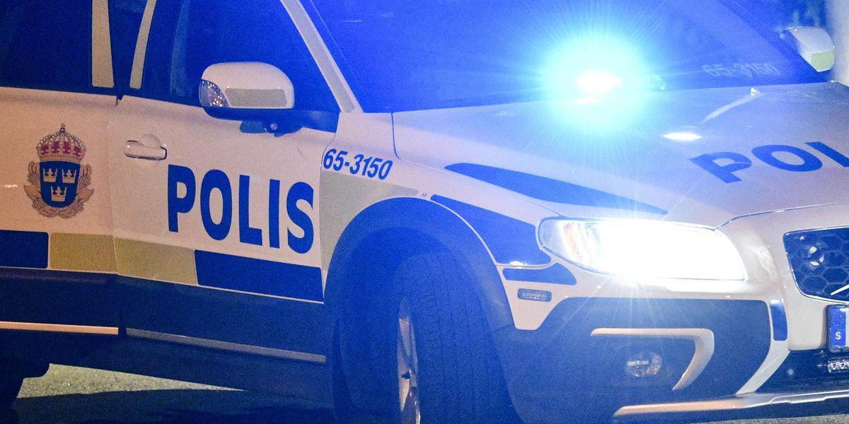 Knivbeväpnad man mötte utryckande polispatrull i Falun