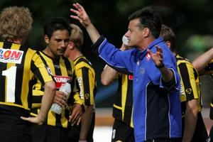 Stefan Lundin 2005 under sin tid som tränare i BK Häcken. Han har även tränat IFK Göteborg och Örebro SK och verkat utomlands i både Portugal och Norge. FOTO: TT