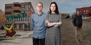 Rättegången hålls vid Ångermanlands tingsrätt i Härnösand. Per Arnsäter och Linda Hedenljung kommer att bevaka rättegången på plats för ÖP:s räkning.