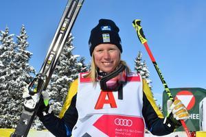 Sandra Näslund trea och totalledare i världscupen.
