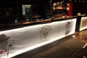 Baren är under ombyggnad, och inom en kort framtid kommer den slutgiltiga baren att vara på plats.