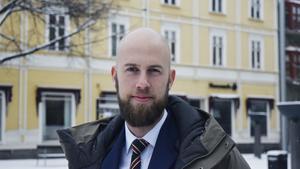Riksdagsledamot Carl-Oskar Bohlin (M) sitter i Civilutskottet som behandlar frågan om större Attefallshus.