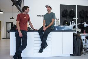 Duon ska lansera varumärkets första produkt, friluftsbyxor, inom kort.