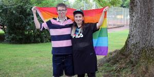 Erica Tapani Vartiainen och Tova Väätäinen är två av de som har hjälpt till att arrangera årets Roslagen Pride.