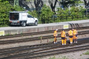 Tidigarelägg den nationella planen för järnvägens upprustning, föreslår debattörerna bland annat.