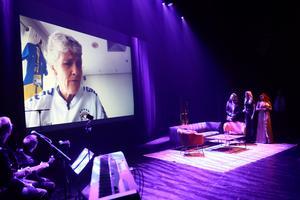 Pia Sundhage skickade en videohälsning med en egenkomponerad låt om Jämtland.