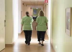 Kompetenslyftet ska förbättra förutsättningarna för dem som idag arbetar visstid inom äldreomsorgen.  Foto: TT