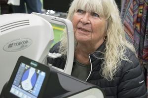Ritwa Larsson från Stora Skedvi passade på att göra en synundersökning.
