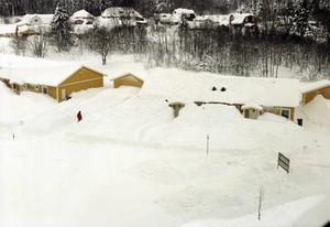 Livsfarliga mängder snö föll över Gävle 1998.