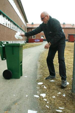 Sonfjällsskolan i Hede har på nytt råkat ut för vandalisering. Någon eller några har förstört armaturer, lysrör och dörrar.