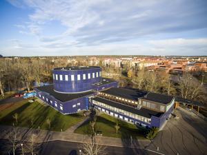 Flygbild över Gävle konserthus.