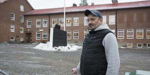 Patrik Hollinger har ett barn i Trehörningsjöskolan.